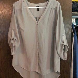 ❣️3 for $15 Maurice's Sheer gray tunic